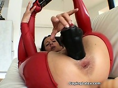 dirty-mature-whore-goes-crazy-dildo-part3