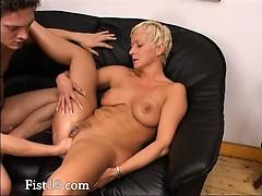 blond-mature-having-vagina-fisted-hard