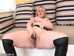 Busty blonde slut gets horny rubbing part2