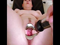 chubby-nia-gyno-speculum-exam-of-her-wide-open-pussy