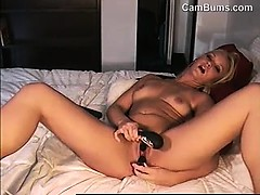 blonde-milf-massaging-her-clit