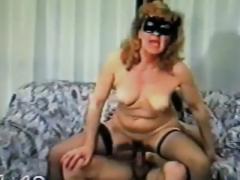 chienne-cathy-j-aime-le-sperme-dans-sa-bouche