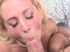 Moms pussy is so yummy