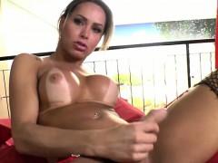 Gorgeous Tgirl Rakel Reaches Her Orgasm
