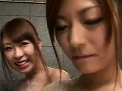 japanese-lesbians-in-the-shower
