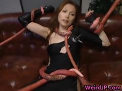 asami-ogawa-asian-babes-fight-tentacle-part4