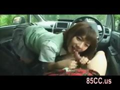 innocent-schoolgirl-blowjob-in-car