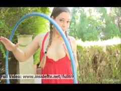 aurielee-hula-hoop-amateur-babe-showing-us-her-gorgeous