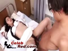 japanese-doctor-and-nurse-fucking-two-patients-japanese