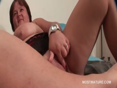 mature-bbw-tramp-working-her-big-tits-and-pussy