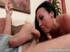 Hot brunette hoe Rio Lee sucks hard cock part3