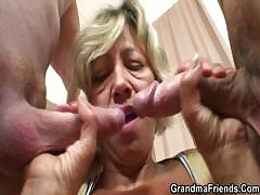 hey-guys-who-wants-to-taste-my-old-pussy